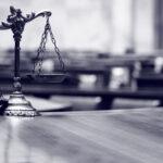 Türk Avukat ve Yeminli Tercüman Salih Gökhan Öztürk. Ceza Kukuk, Yabancılar Hukuku. Uzman Avukat Salih Gökhan Öztürk